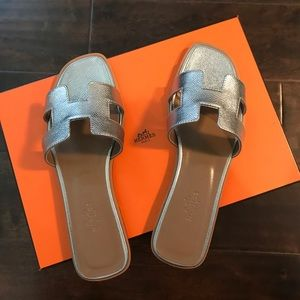 Brand New Oran Sandal in Argent, size 38